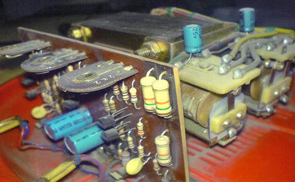 Thiết bị ổn định điện áp (Ổn áp) Voltage Stabilizer là gì và Nó hoạt động thế nào?