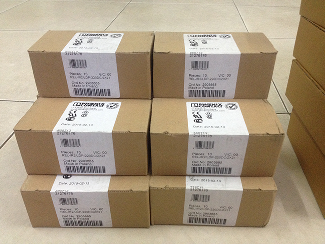 Role Relay kiếng trung gian 2 PDT 220vDC 12A - Phoenix Contact