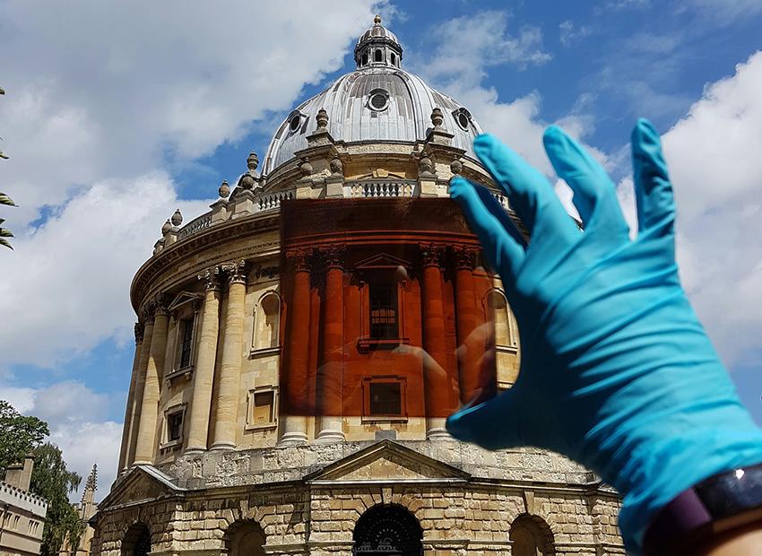 Thế hệ tế bào quang năng perovskite từ hệ thống dung môi ít độc hại từ các nhà khoa học Oxford
